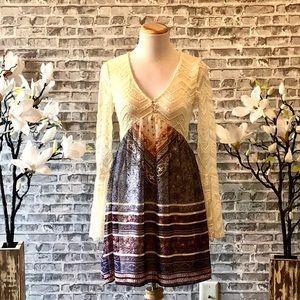 VENUS Bell Sleeve Lace Detail Dress- XS